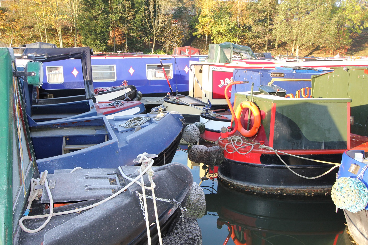 Top-tips-to-help-you-buy-your-first-narrowboat